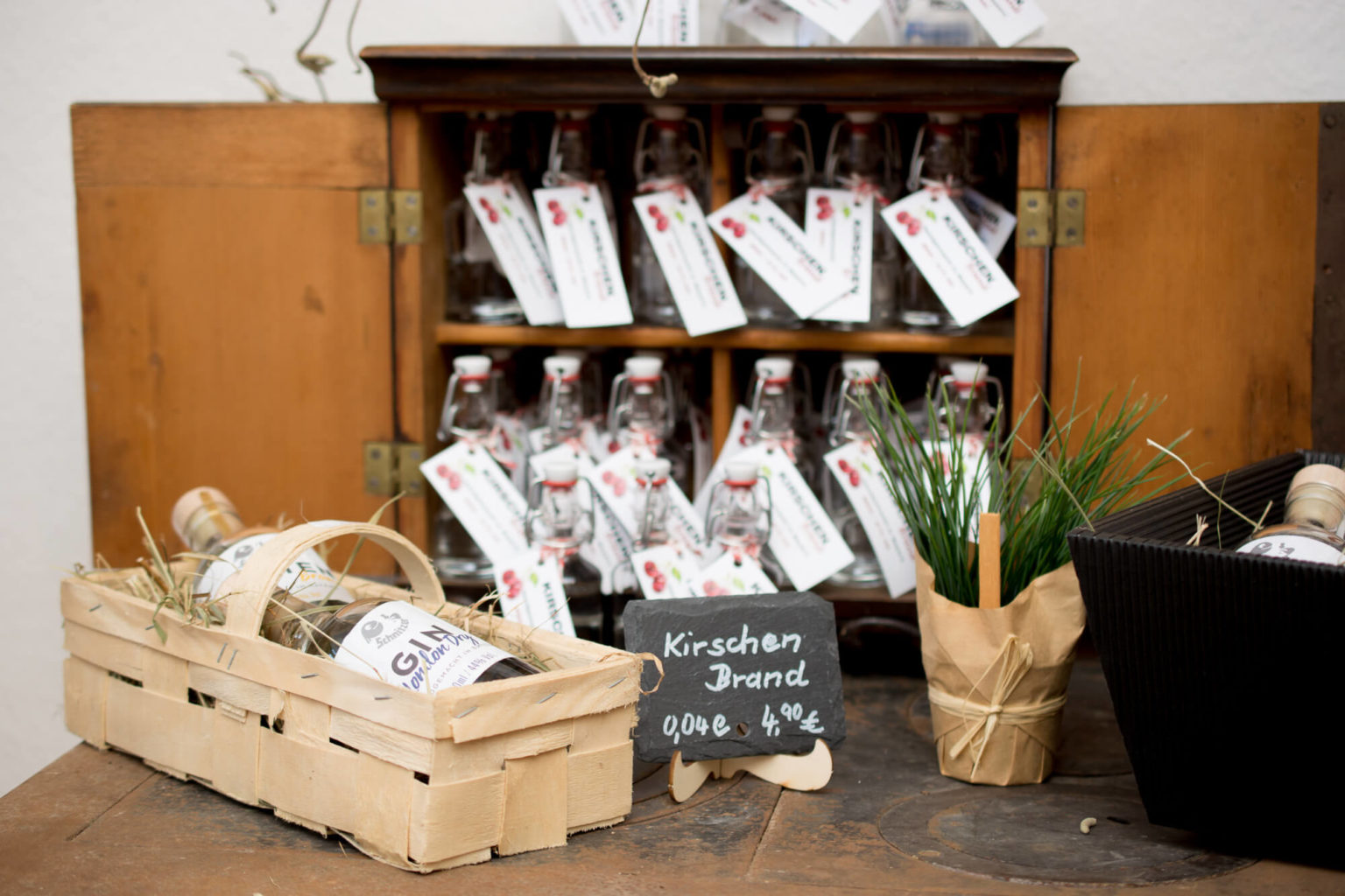 Hofladen Destillerie Schnitzer Geschenkkorb