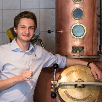 Kajetan Schnitzer, Destillerie Schnitzer Traunstein